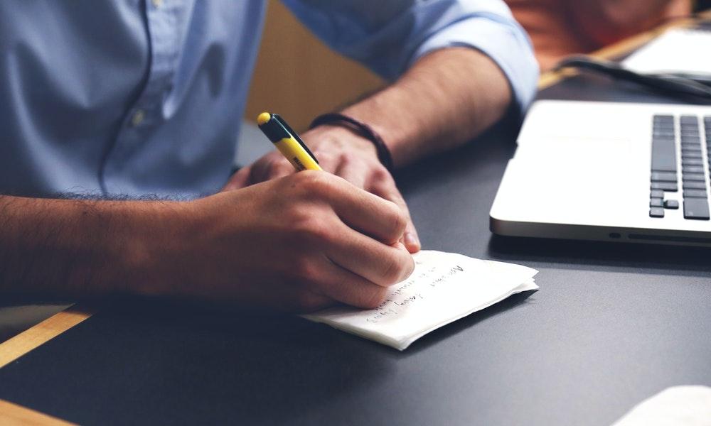 Menghasilkan Uang dari Menjadi Penulis Konten