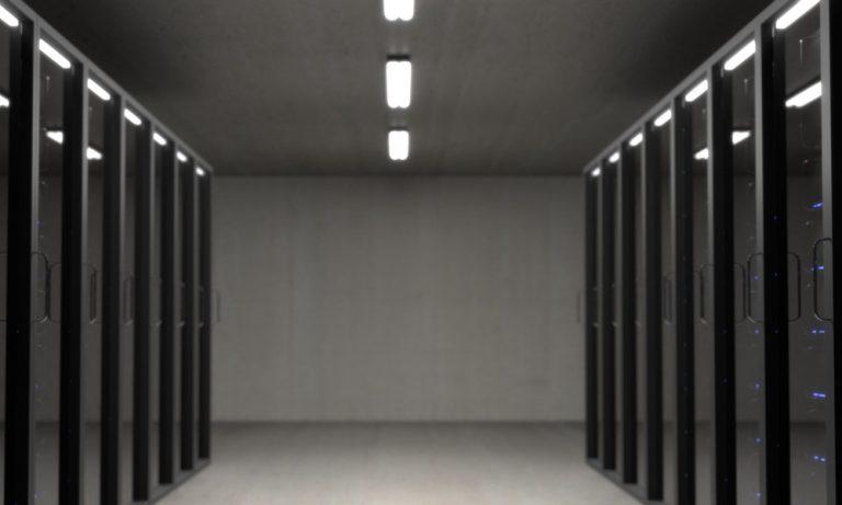 4 Pertimbangan Saat Memilih Data Center